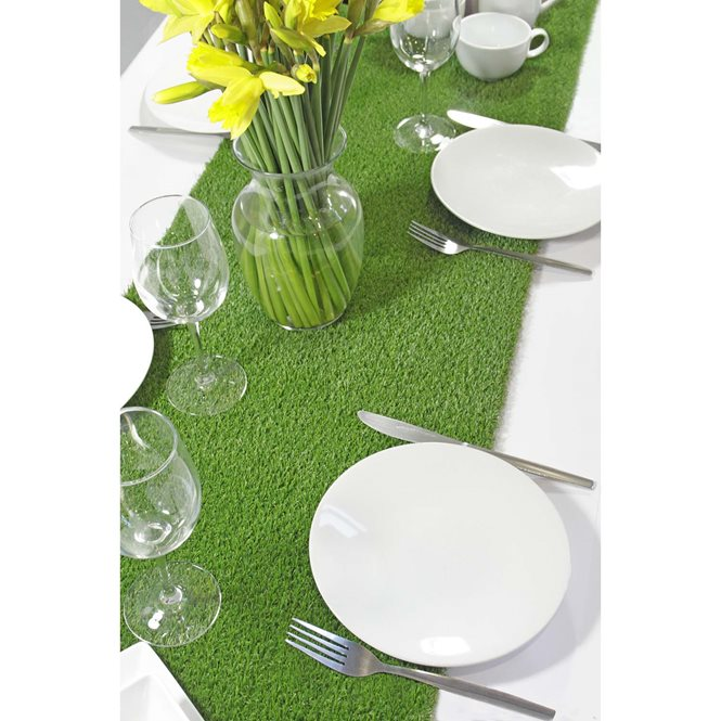 grass runners summer table decorations